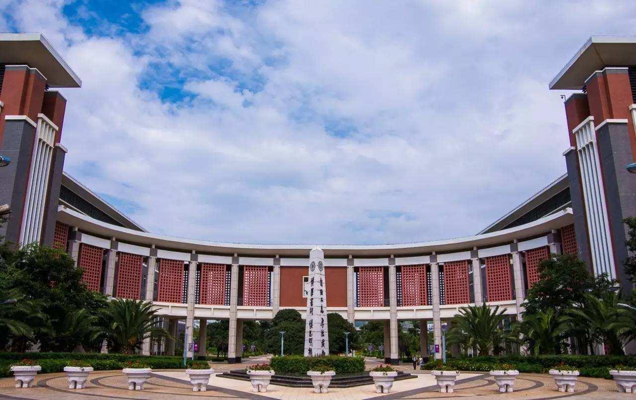 2019年报读泸州市鹏程中等职业学校校园设施规模条件怎么样?