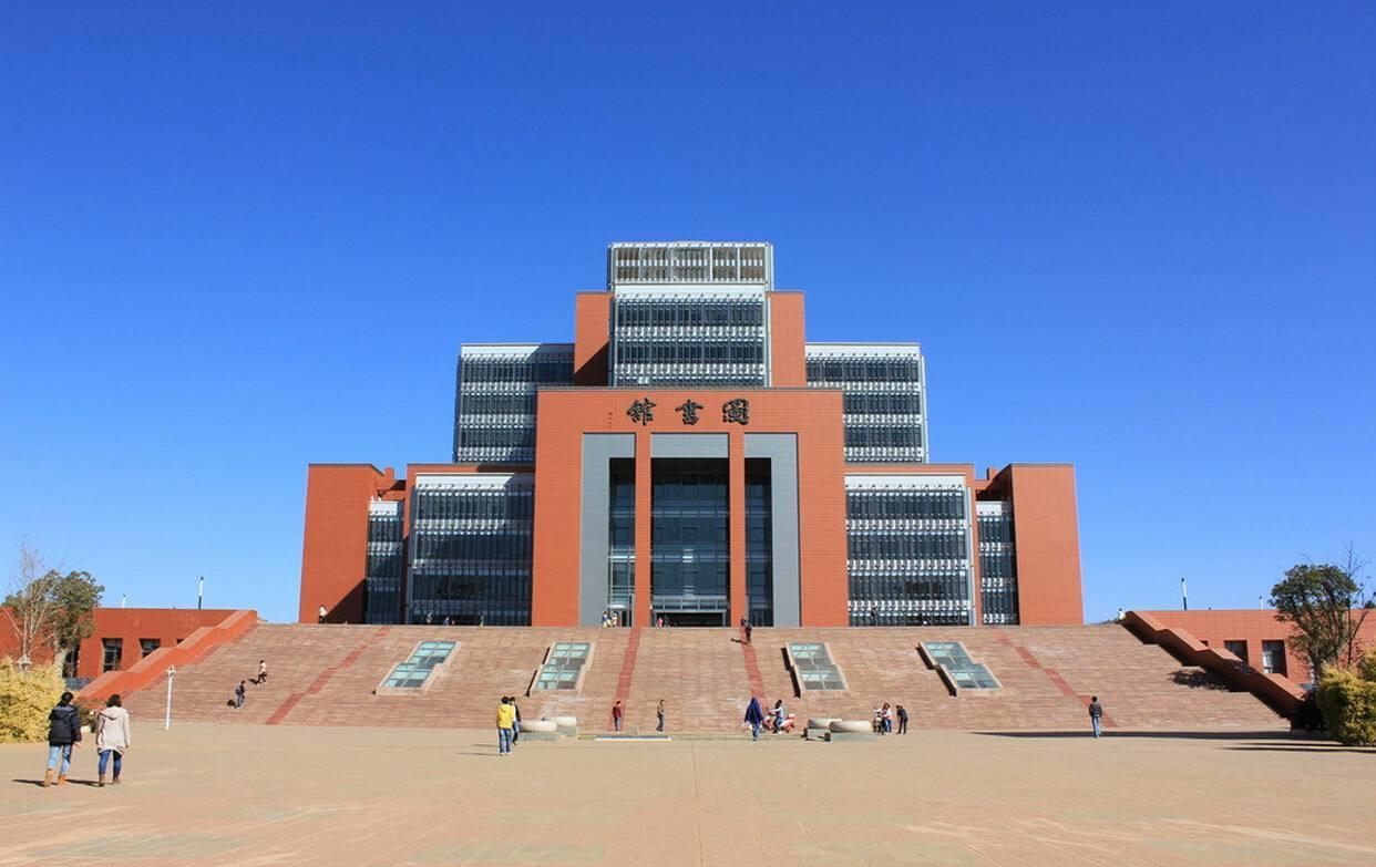 四川现代艺术学校图书馆