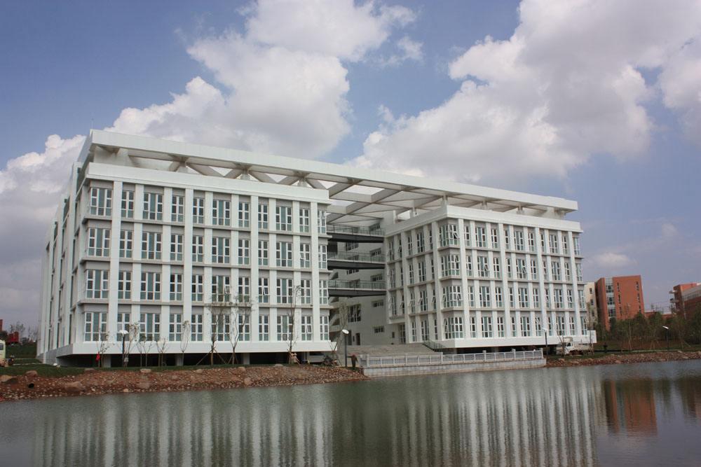 四川晨光化工技工学校2019年开设哪些专业招生计划呢?